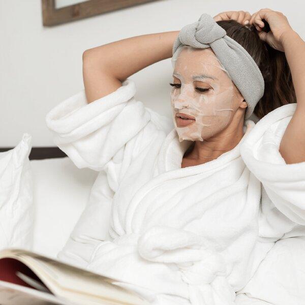 hemp face mask on model